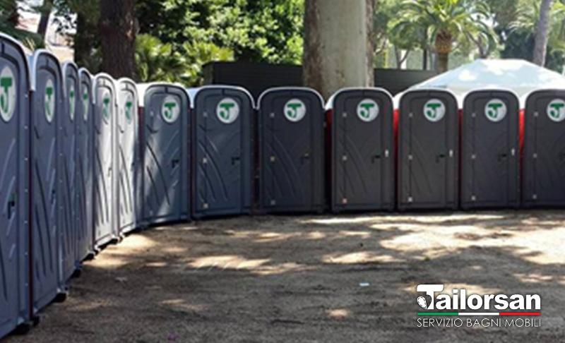 Batteria di bagni chimici in villa a roma tailorsan noleggio wc