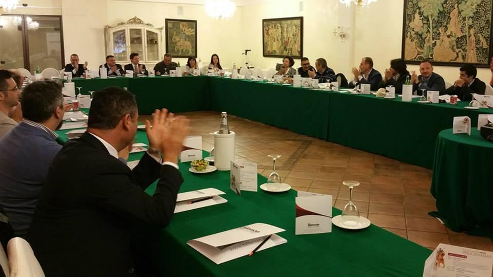 Meeting bagni chimici 002 tailorsan noleggio wc chimici - Noleggio bagni chimici firenze ...