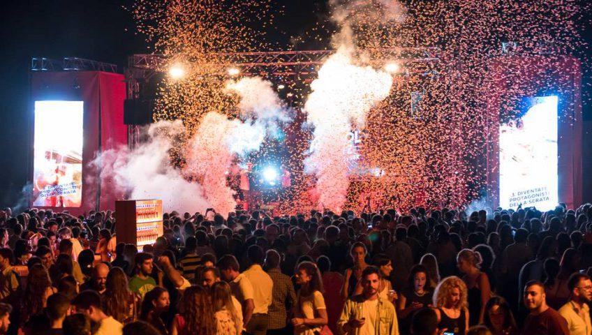 Aperol e tailorsan grande successo a baia per l 39 happy together party - Noleggio bagni chimici firenze ...
